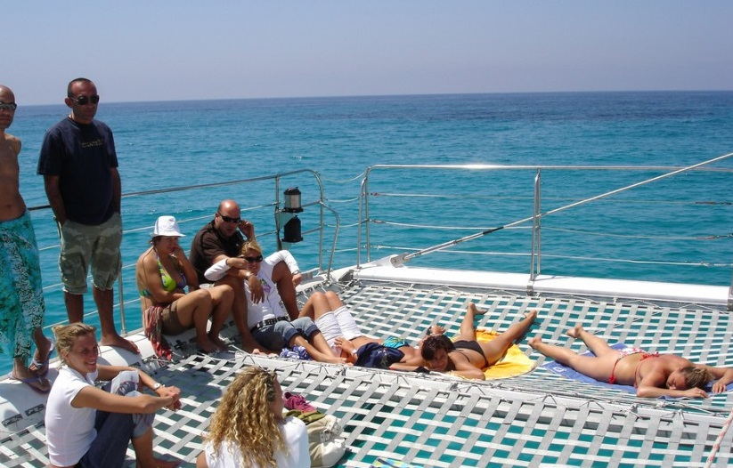 catamaran privado en ibiza catering