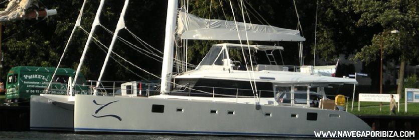 alquiler catamaran grande en ibiza