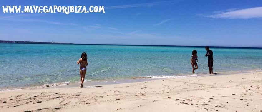 alquila tu barco en Ibiza, playa de espalmador