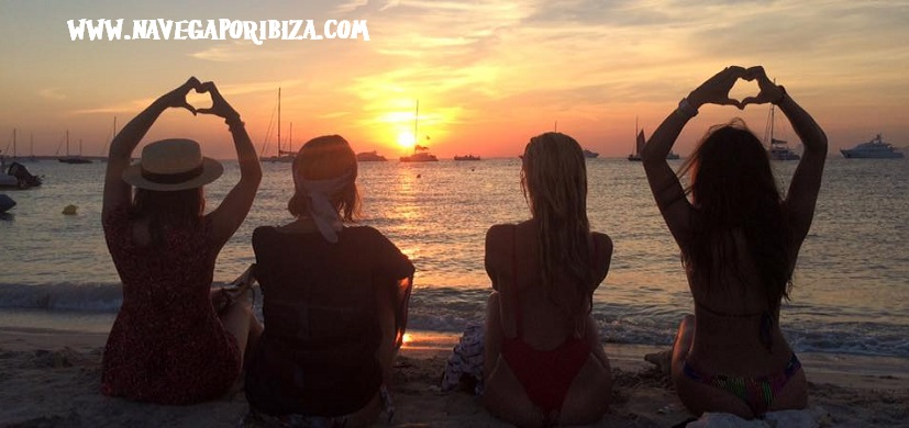 Alquiler barco Ibiza puesta de sol en formentera