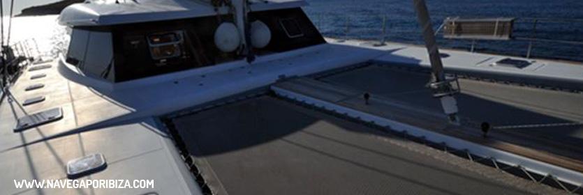amplio catamaran en ibiza para alquilar